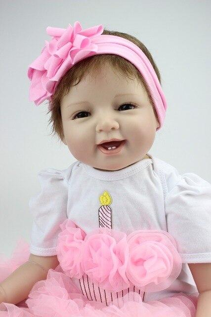 Indah Tersenyum 22 Inch 55 cm Lembut Silicone Reborn Bayi Boneka Realistis  Melihat Bayi Gadis Boneka b632f31019