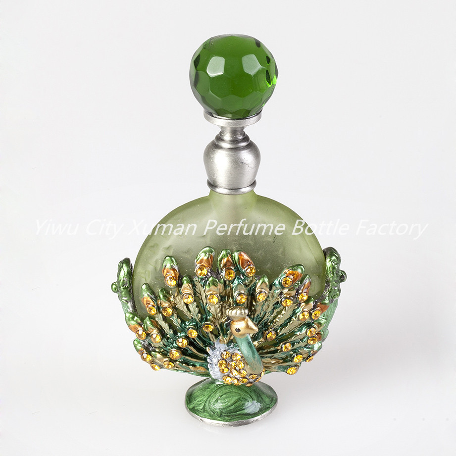 Retro Metal Glass 30ml Empty Flat Container Refillable Portable Gift Perfume Bottle Home Decoration