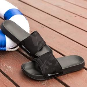 Image 4 - 브랜드 품질 슬리퍼 남자 욕실 신발 플랫 플립 퍼 빛 야외 비치 샌들 신발 큰 크기 50 어두운 위장 표면