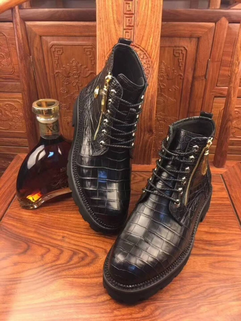 Genuine real genuine crocodil belly skin men winter shoe middle boots with cow skin lining and fur inside black color zip close