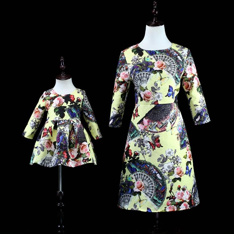 Europe and the United States 2018 autumn The new Parent-child outfit Seven-sleeve butterfly flower print jacquard dress flower print flounce sleeve dress