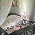 Nieuwe Aankomst Hot-selling 4 M Baby Beschermen Kleurrijke Handgemaakte Lange Zachte Knoop Kussen Gevlochten Weven Pluche Wieg Bed bumper Decoratieve
