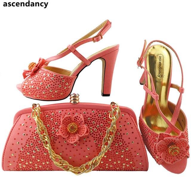 d5ce2720f2e81 المرجانية اللون الأحذية الايطالية و الحقائب لمطابقة الأحذية مع حقيبة مجموعة  جديد النساء أحذية الزفاف زقزقة