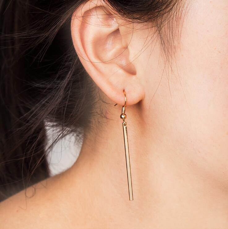 The Minimalist Geometric Circular Earrings Contracted Temperament Earrings Long Female Stud Earrings