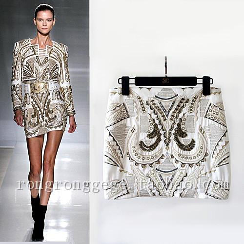 Mujer primavera y verano moda del bordado del oro metal barroco rebordear falda una línea de falda