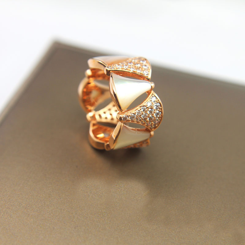 Hot new style fan ring micro set rhinestone personality temperament rose gold fan skirt ring index