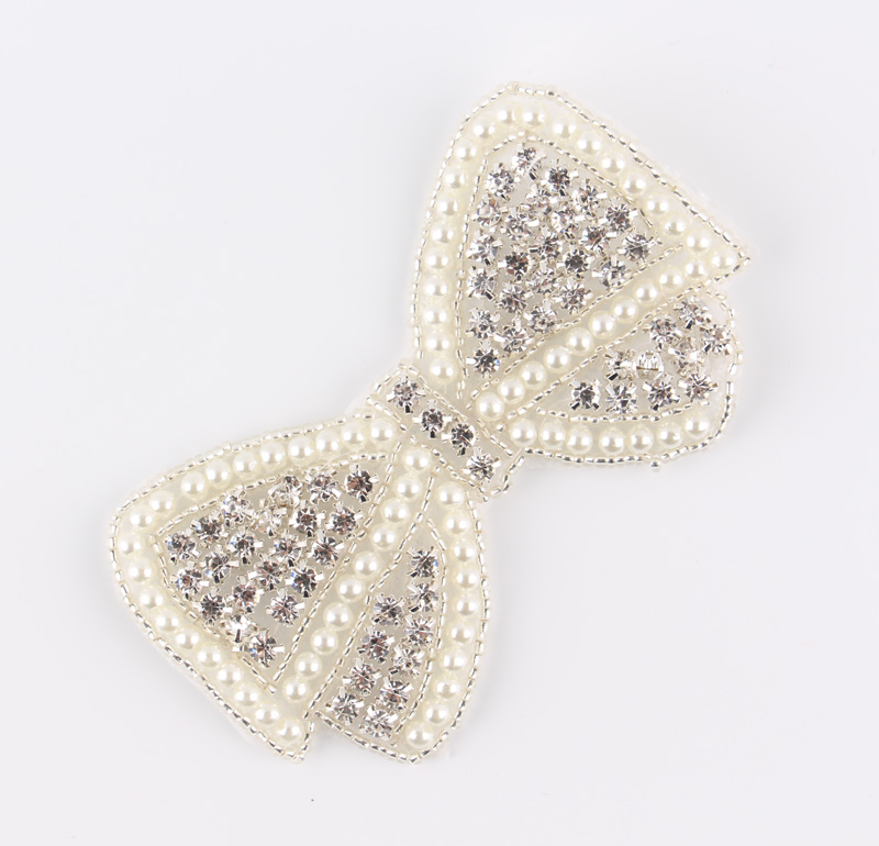 (60pcs lot)Wholesale Bows Shape Crystal Pearl Rhinestone Appliques Patch Sew  On Hot Fix Beaded Motif Patch For Girl Dress Hair-in Rhinestones from Home  ... 1f93bfd0094a