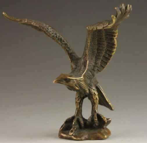 Chinese Vintage Brass Handwork Hammered Wealth Succeed Eagle Statue