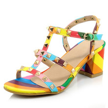 2016 sommer Sexy offene spitze t-riemen Gladiator Sandalen für Frauen High Heels Sandalen nieten dame punk Schuhe weiblichen große größe 31-44