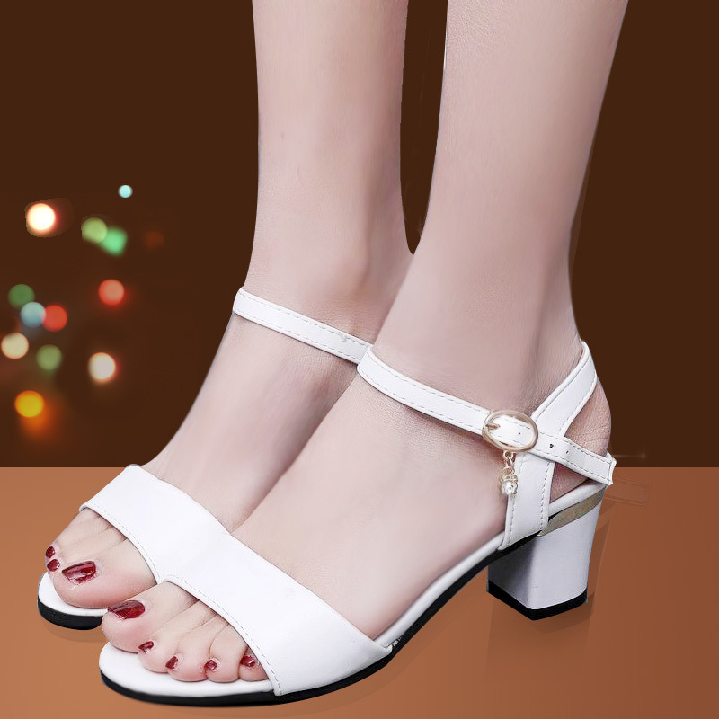 2019 summer new style with thick toe Korean version of the wild fashion with women's sandals(China)