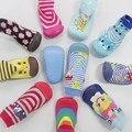 2015 de invierno y primavera del muchacho del bebé calcetines calcetines recién nacidos del bebé con suela de goma antideslizante infant calcetines del piso SS04