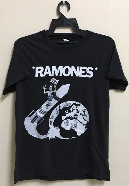 Vintage 80S Ramones Rocket To Russia Punk Rock Tour Concert Promo T Shirt Stranger Things Design T Shirt 2018 New
