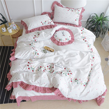 White Pink Embroidery Strawberry Cute Bedding sets Girls King Queen size Bed sheet set 5Pcs Duvet cover linen set pillow covers