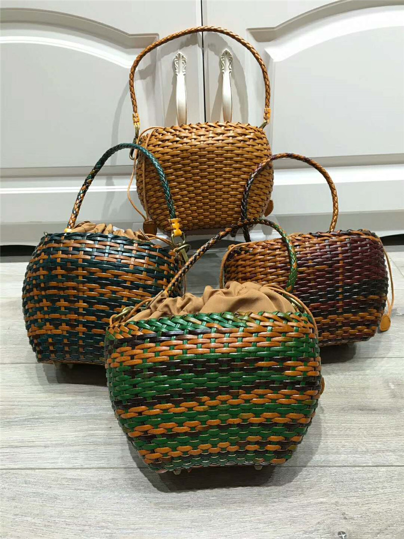 Women Bohemian leather Bags Ladies Small Beach Weave Handbag Tote Handmade Summer beach Basket genuine leather Rattan women bag кошелек small beach