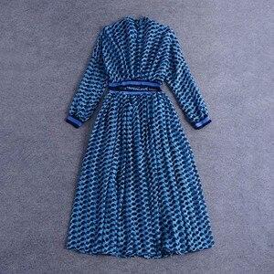 Image 3 - TWOTWINSTYLE patchworkowa sukienka dla kobiet etui i stojak z nadrukiem kołnierz tunika wysokiej talii zmarszczony, długi suknie 2020 wiosna eleganckie ubrania