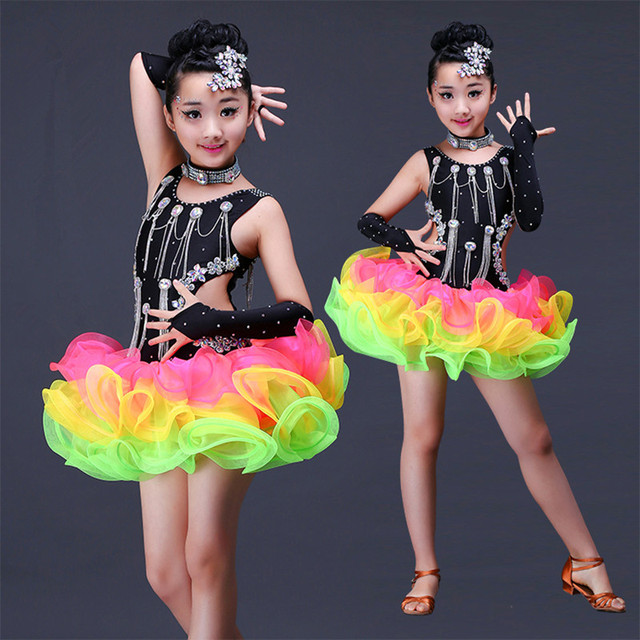 Сексуальные танцы девочек