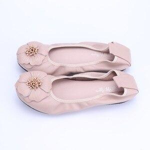 Image 3 - Bailarinas de piel auténtica para mujer, zapatos informales de punta redonda con adorno de flores, para primavera y otoño, 2021