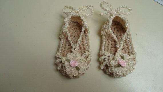 Envío del verano del ganchillo bebé sandalias de la muchacha, zapatillas de bebé, tamaño 0-12 meses, 100% hechos a mano 100 par/lote