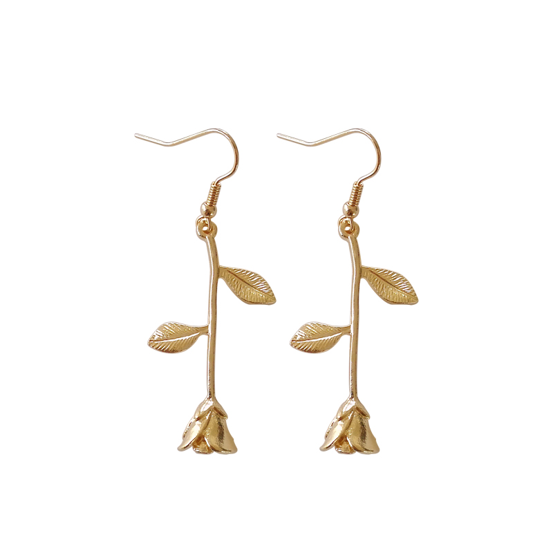2017 Female Fashion Earrings Metal Contracted Earrings Korean Woman Rose Flowers Romantic Delicate Earrings Wholesale