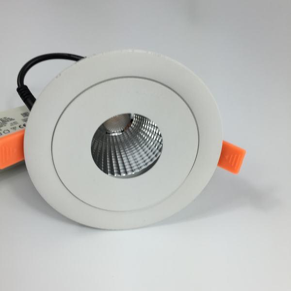 Angle de haricot de l'épi 100lm/w 13,23 degrés commercial a mené le projecteur enfoncé de lampe haut CRI, efficacité élevée de sortie de lumen