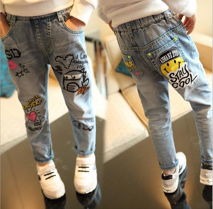 2-12 T Neue Mode Casual Mädchen Jeans Wilde Waschen Graffiti Cartoon Füße Hosen Jeans Für Mädchen Kinder Denim Jeans GroßE Sorten