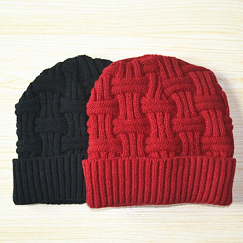 1pcs Men Women   Beanie   Knitted Winter Cap Twist Pattern Warm   Skullies     Beanies   Hat for Women Solid Color Stripe Knit Caps Gorros
