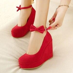 Image 4 - Nero rosso Elegante cunei dei pattini dei cunei sandali per le donne della piattaforma degli alti talloni punta rotonda scarpe tacchi alti bowknot zeppe scarpe
