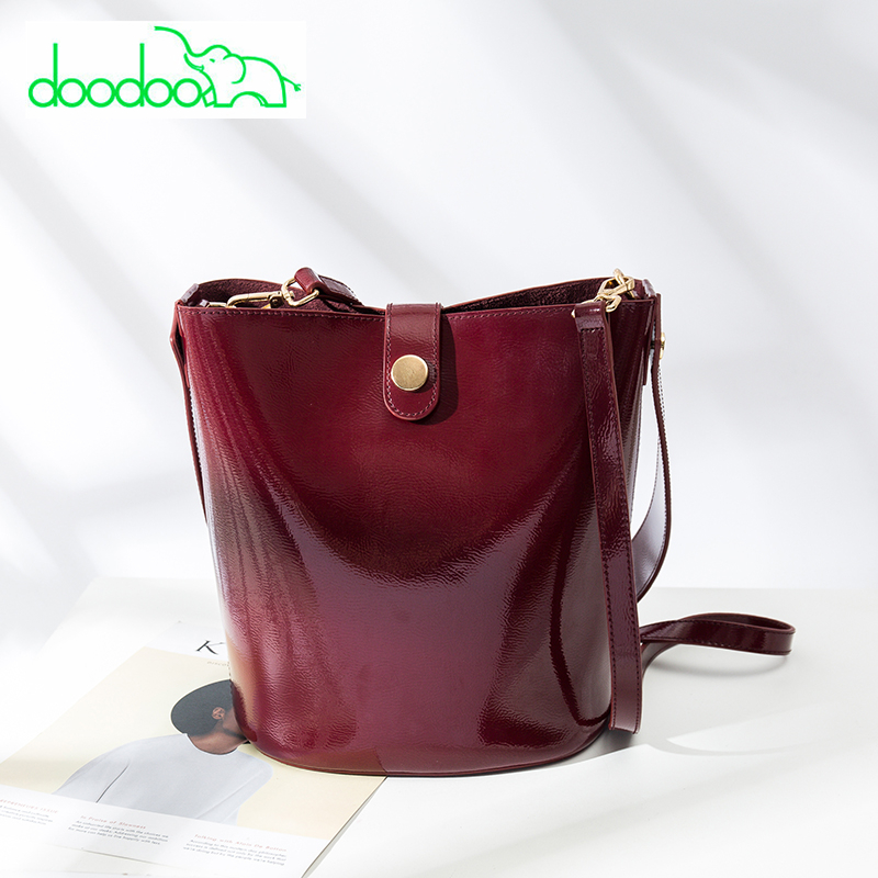 2018 Patent Leather Bucket Tote Bag Women Purses and Handbags Luxury Brand Famous Designer Shoulder Messenger Bags Channels Bags luxury brand design basket bucket tote women day clutches and purses 2pcs composite bag lady handbags rivet women messenger bag