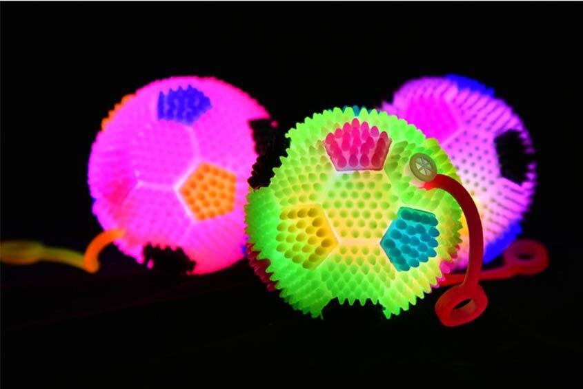 2018 FLASHING LIGHT UP BABY FINGER BALLS FOOTBALL LED BOUNCE BALL Toys Kids Party Birthday 6.5CM Wedding Decoration