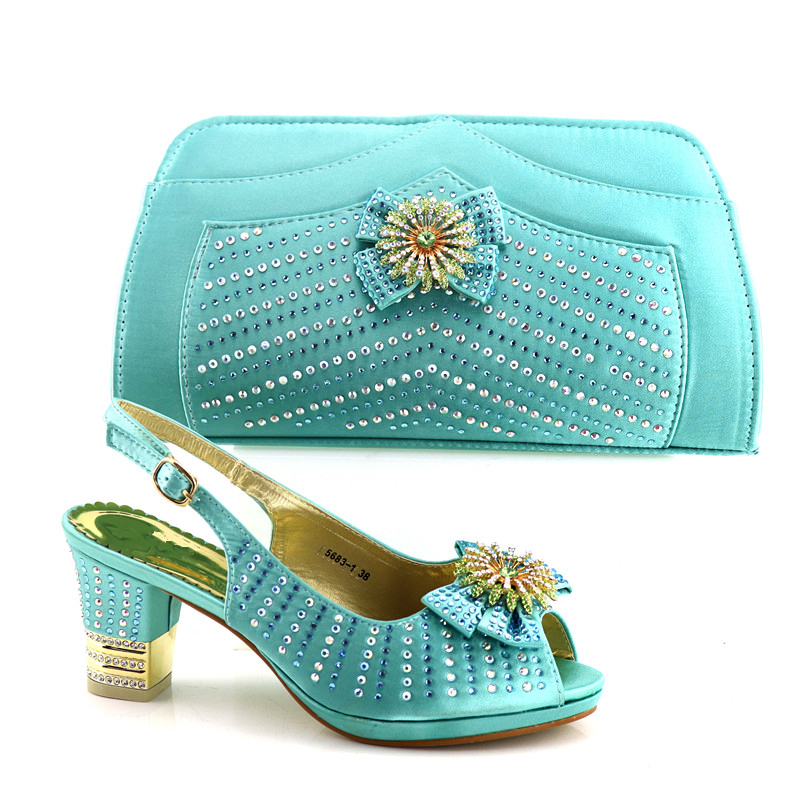 Newest lake green Shoes and Bag Set African Set 2018 Nigerian Women Wedding Shoes and Bag Set Decorated with Crystal Party Pumps 2018 newest classic black color very beautiful african women shoes and bag set with more multicolored crystals for evening party