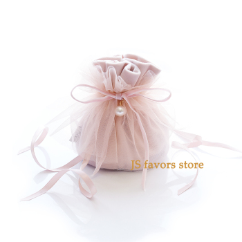 Free shippin50pcs Exclusive design ballet High density velvet lace pearl Closing skirt beautiful wedding party gift candy bag