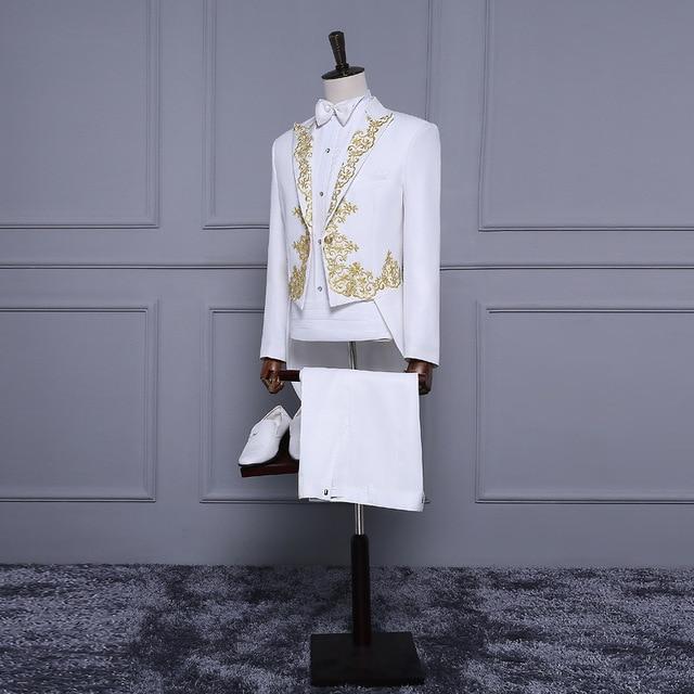Alta qualidade branco mangas compridas apliques bordados de ouro festa de casamento groomwear noivo terno/blazers magro cantor solo traje