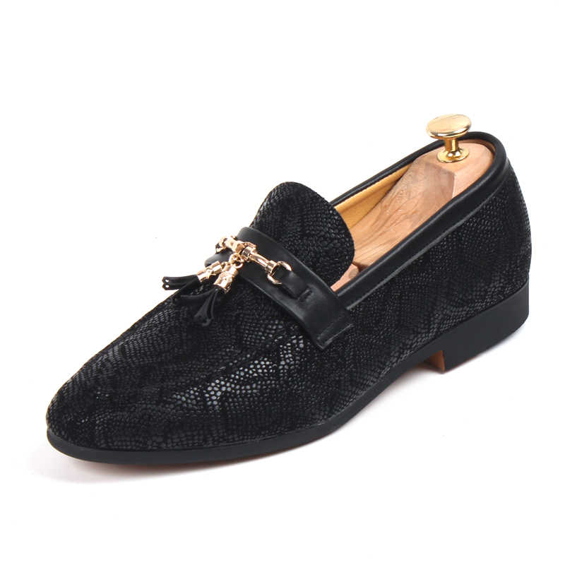 Мужские большеразмерные вечерние туфли для ночного клуба из мягкой кожи с кисточками рисунок под змеиную кожу обувь без застежки Мокасины с закрытым носком zapatos hombre