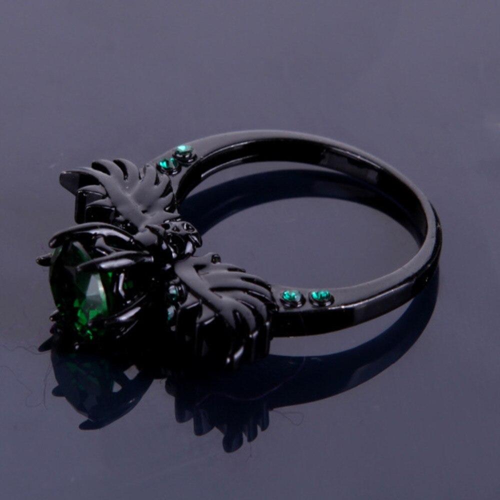 черный цирконий камень фото