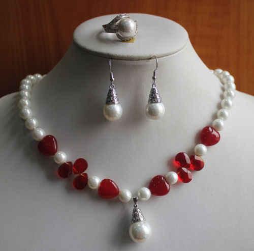 Dyyรวดเร็ว+ 07579การออกแบบใหม่สตรีสีขาวมุก/สีแดงหยกสร้อยคอแหวนต่างหูชุดเครื่องประดับ(A0516)