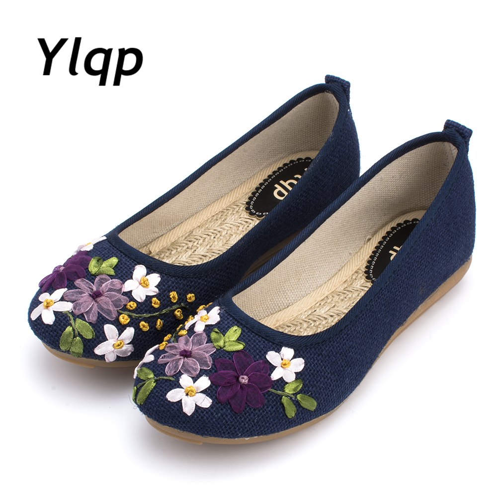 Beautiful Spring and Summer Shoes Cloth Shoes Folk Style Mother Shoes Women flats shoes beautiful darkness