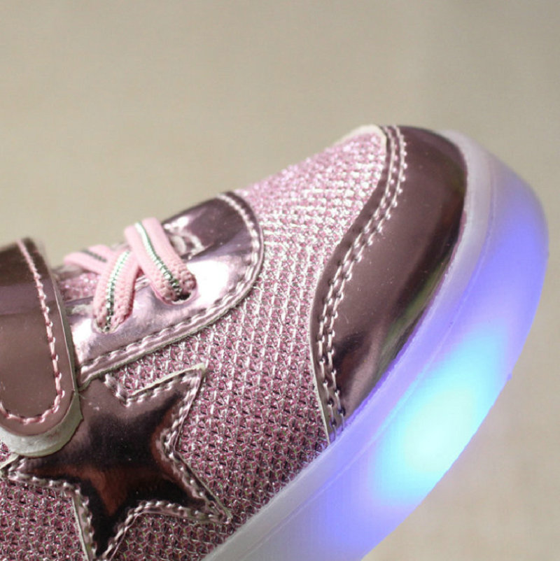 2016-New-Autumn-Toddler-Brand-Kids-LED-Luminous-Sneakers-Breathable-Child-Colorful-Flashing-Baby-girls-Sport-Shoes-with-light-3