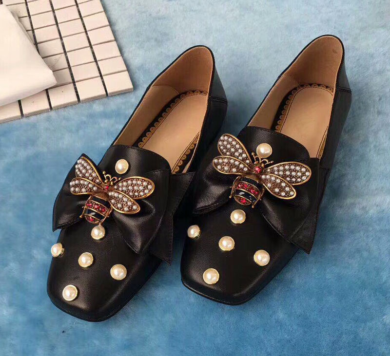 Hot Woman Flats Metal Animal Decor Woman Shoes Pearl Embellished Woman Loafers Bow Tie Women Shoes Brand Runway Super Star Shoes недорго, оригинальная цена