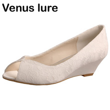 Customized Low Heel Lace Ivory Bride Shoes for Wedding Wedge Peep Toe Women Pumps
