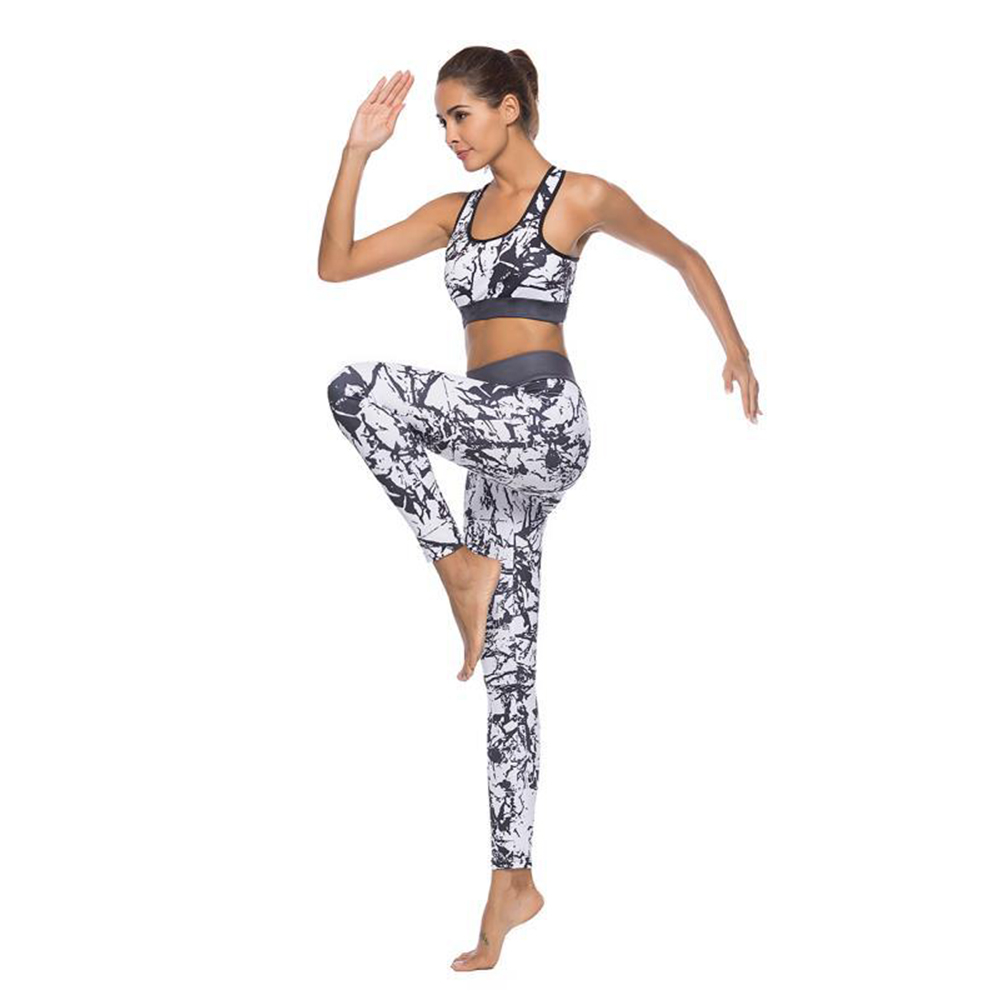 Breathable Two Piece fitness Suit Women Yoga Gym Running Set Crop Top and Leggings Sexy Wear Fitness Track Suit Sportswear Set