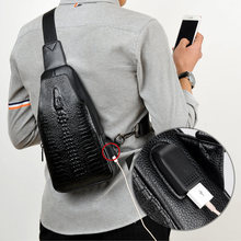 新ファッションの男性の胸バッグメッセンジャーバッグレザーusb充電カジュアル男性の旅行かばんバッグワニのパターンのクロスボディバッグ