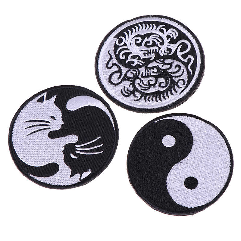 Black White Cat 3D Embroidery Patch Yin Yang Kung Fu Military Morale Patches Tactical Combat Emblem Appliques Embroidered Badges