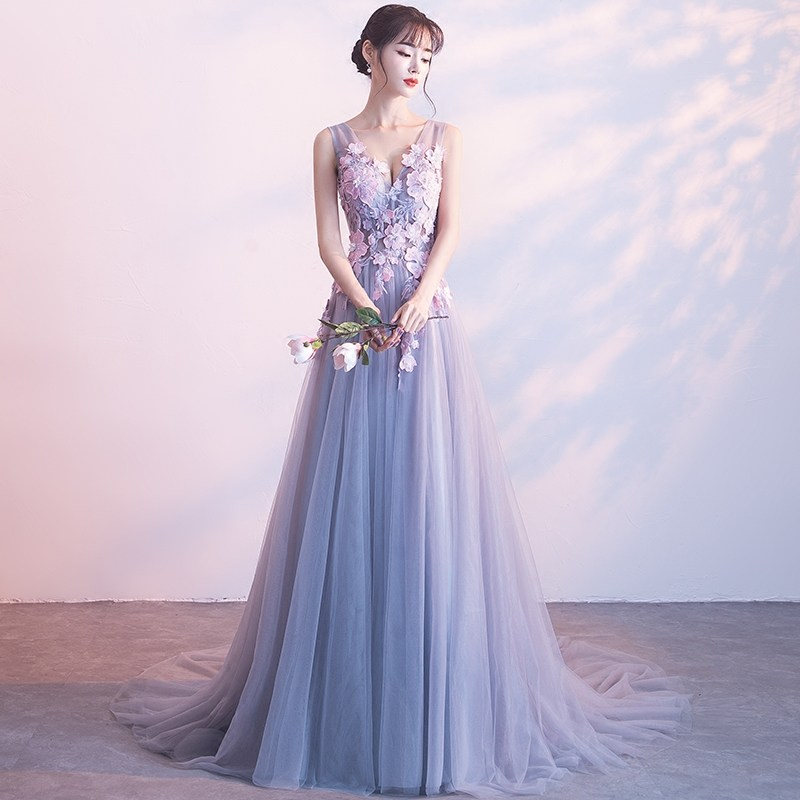 Elegant Tulle Long Evening Gowns Appliques Long Trailing Women