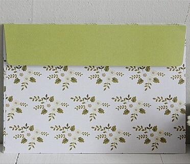 Hot selling 175*125mm.new arrival fashion cute retro Green Daisy Flower series Kraft paper diy fun envelope .Gift envelopes.