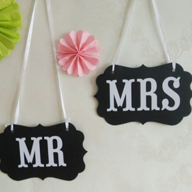 DIY Black Mr Mrs Paper Board Ribbon Sign Photo Booth Props Wedding Decoration Party Favor