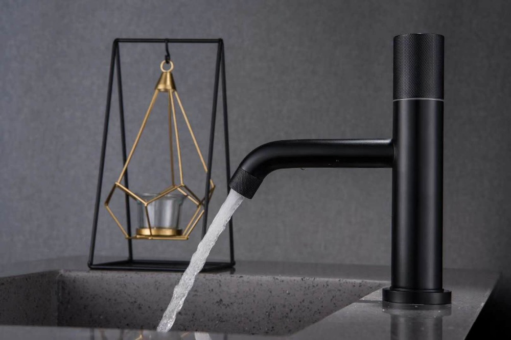 Simple luxury Black plated bathroom sink faucet 5 colors single hole mixer basin faucet Cold and hot water faucetSimple luxury Black plated bathroom sink faucet 5 colors single hole mixer basin faucet Cold and hot water faucet