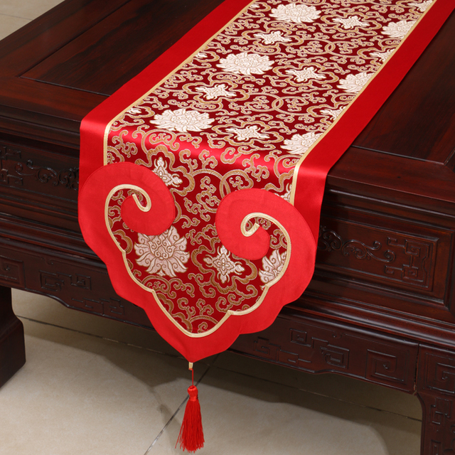 Marvelous Love Heart Luxury Jacquard Mulberry Silk Table Runner Party Wedding Table  Decoration Rectangle Damask Table Cloth