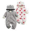 Nova moda 2017 Rompers Recém-nascidos Outerwear Do Inverno Do Bebê Coral Fleece Coração Infantil Da Menina Do Bebê Roupas de Algodão Espessamento Macacões