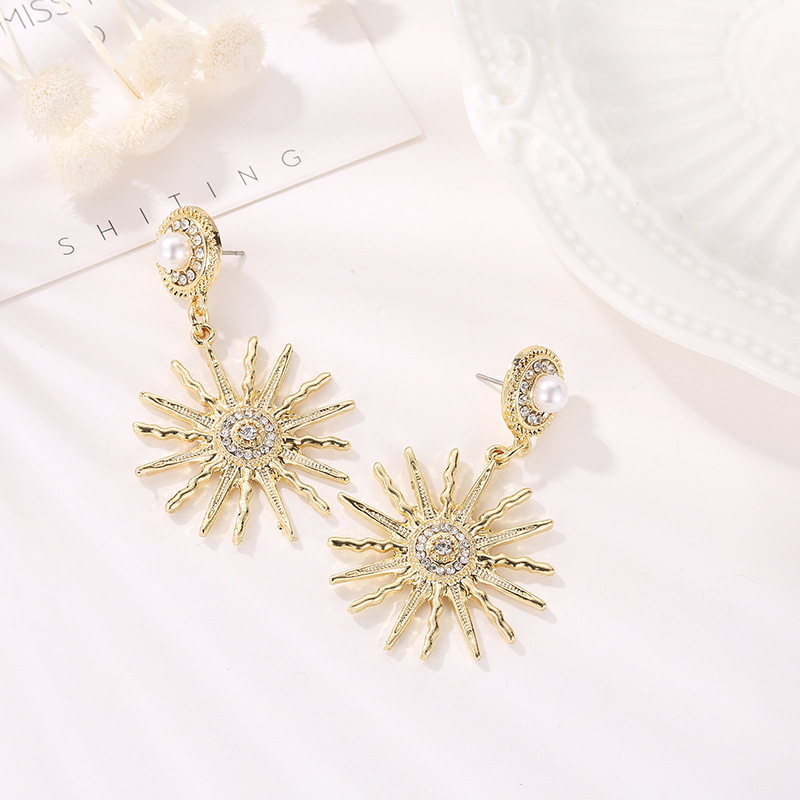 2019 European And American Zinc Alloy Oorbellen Zinc Alloy Sunflower Exaggerated Women 39 S Earrings Jewelry in Stud Earrings from Jewelry amp Accessories