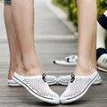 2017 Verano Hombres Amantes de Las Sandalias Zuecos 2016 Recortes Zapatos Masculinos Antideslizantes En Los Planos Ocasionales Zapatillas Chanclas Para Hombre